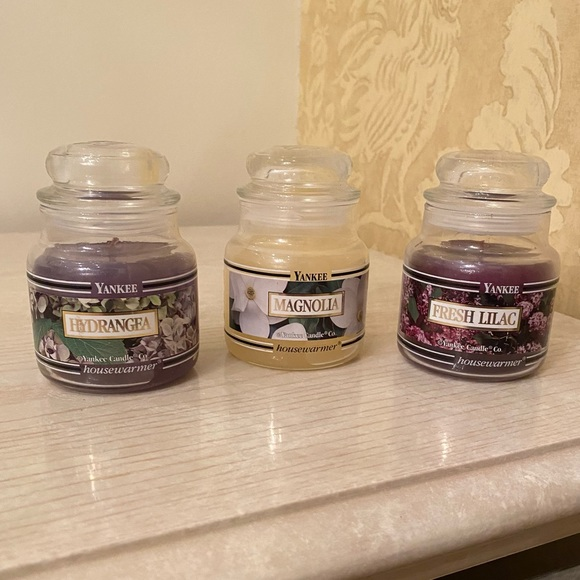 NEVER USED. 3 Yankee Candle Co. Candles